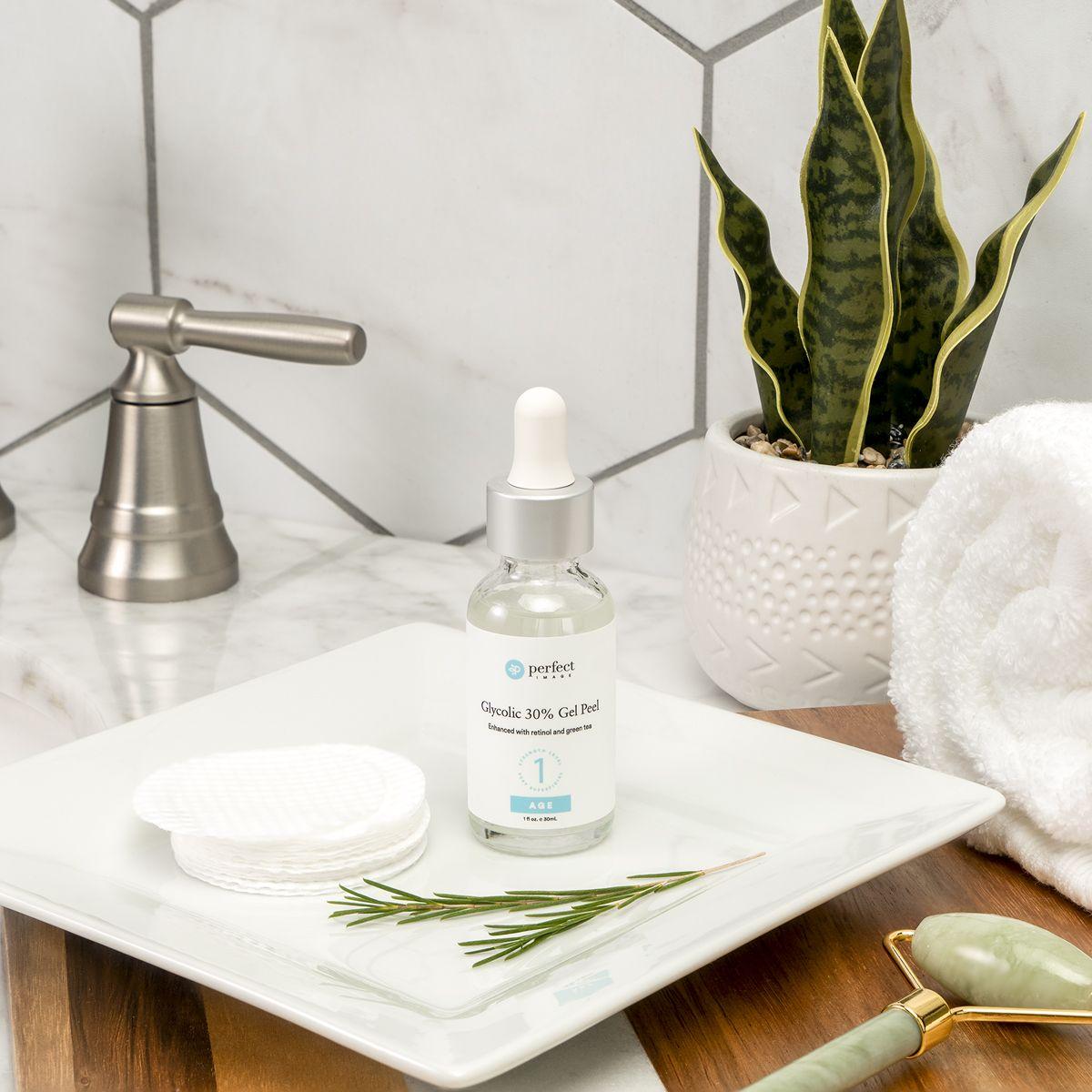 Perfektes Bild Glykolsäure 30% chemisches Peeling | Salicylsäure-Peeling und andere Peelings, die Sie zu Hause machen können